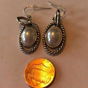 Jewelry - Silver and Pearl earrings. Designer look.